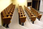 Konferenciaszék lehajtható írólappal gyártója
